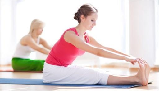 Zdravotní cvičení jógy - ilustrační foto